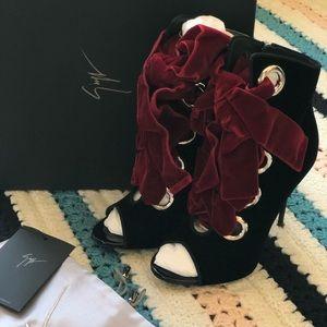 Giuseppe Zanotti JEANNINE Velvet Lace-Up Bootie